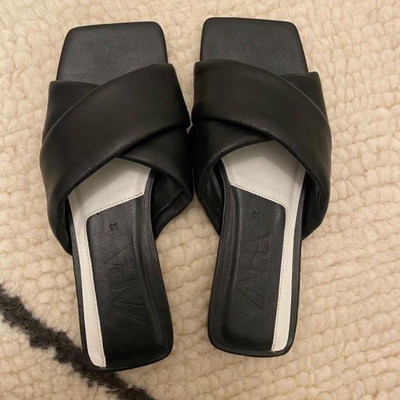 Zara black leather square toe flat sandals 8